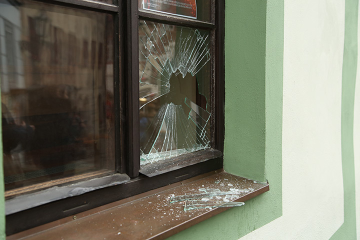 A2B Glass are able to board up broken windows while they are being repaired in Mansfield.
